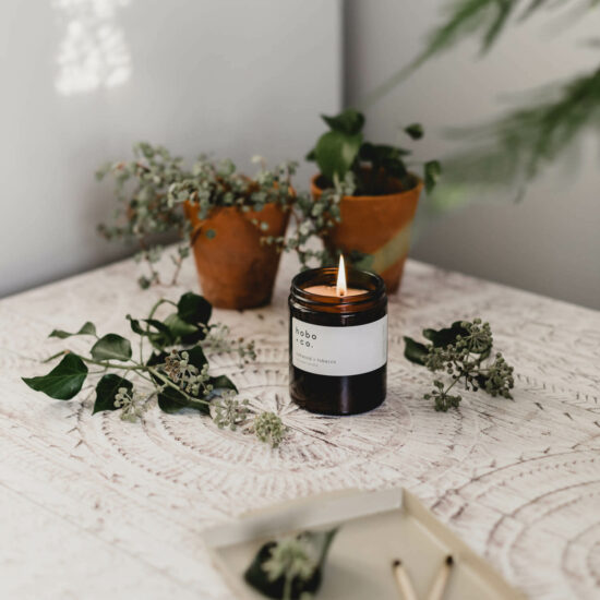 Oakwood & Tobacco Scented Candle by Hobo & Co