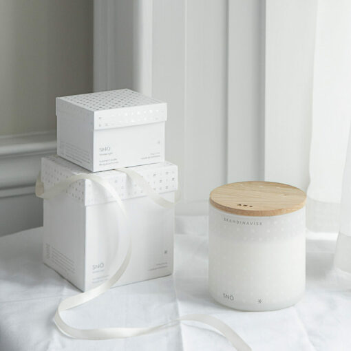SNÖ (Snow) Candle by Skandinavisk 1